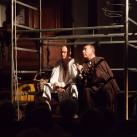 """Per il ventennale di lavoro nella Fortezza di Fenestrelle Assemblea Teatro propone il riallestimento dello spettacolo che """"illuminò"""" il buio delle antiche mura con un incredibile successo di pubblico nell'estate del 1994. In scena """"Fuochi"""""""