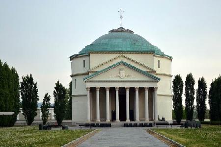 Mausoleo slide