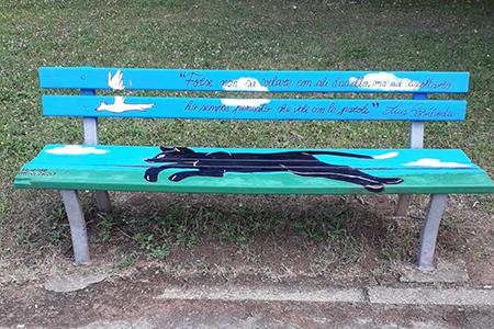 La Gabbianella e il Gatto sulla panchina